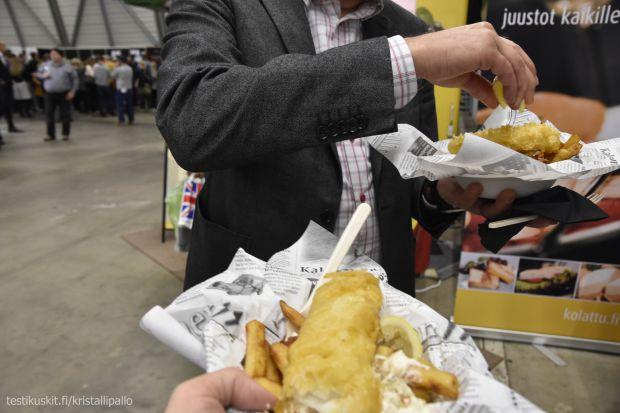 UK vierailusta on jo sen verran aikaa, että piti muisteloida Lontoon antimia Fish & Chipsien kera.